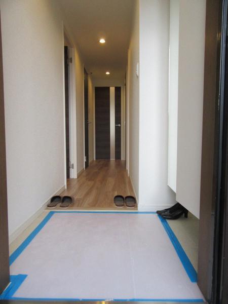 段差の少ない玄関(玄関)